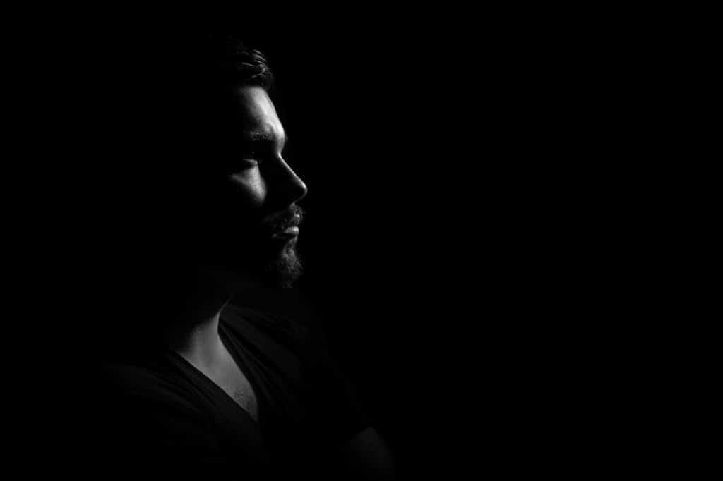 man-studio-portrait-light-90764