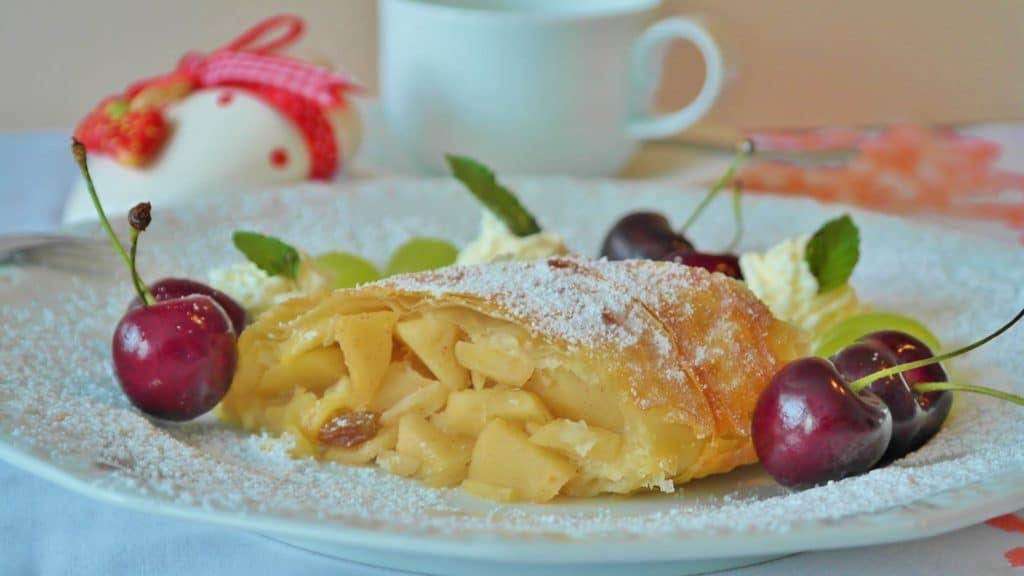 strudel-apple-strudel-apple-fruit-162774